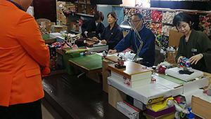 NHK「ごごナマ」で人形工房が生中継されました